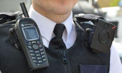 Britanijoje policininkai vietoj radijo ryšio siųs SMS
